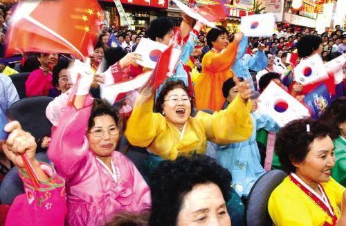 西塔朝鲜族民间艺术大巡游将带给沈阳市民强烈的视觉