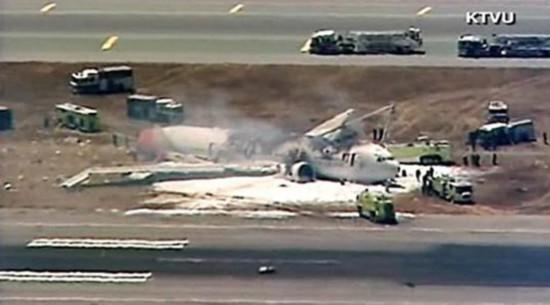 韩亚航空波音777飞机在旧金山机场坠毁(图)