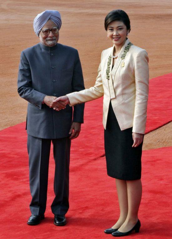 泰国美女总理英拉出访照片盘点:美得表里如一