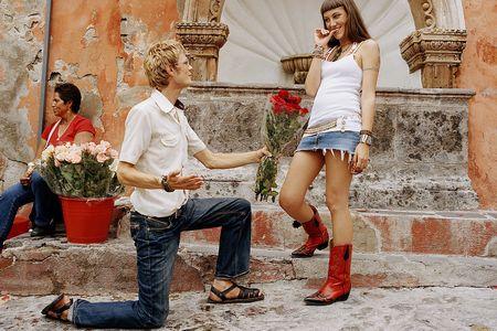 幸福万花筒:男人讨好女人最动情的15个方法_心
