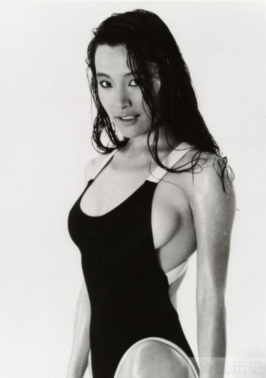陈冲/陈冲,著名华人电影女演员,1961年1月3日生于上海,现定居美国...