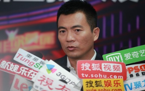 黄健翔 张绍刚/《非你莫属》作为天津卫视的王牌求职栏目,拥有着高收视率和...