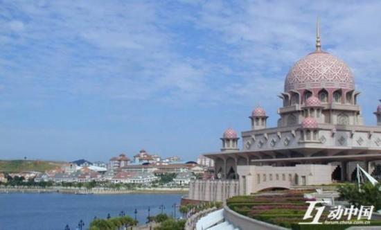"""去年5月,在新加坡甚至出现""""应将中国人赶出新加坡""""的声浪。"""