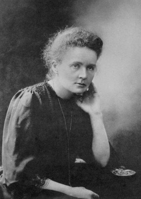 居里夫人   居里夫人和她的先生的骨灰1995年被重新安葬到...