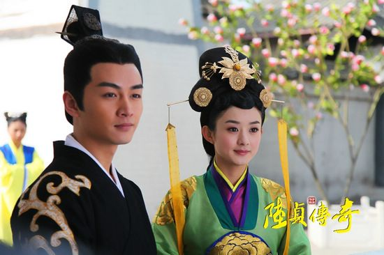 中华一晓kb另类视频-<IMG> 8月23日,偶像明星陈晓在北京发售了其首部个人成长写真书《