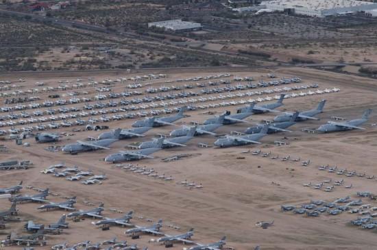 航空帝国底蕴:美国飞机坟场沉睡数千架战鹰