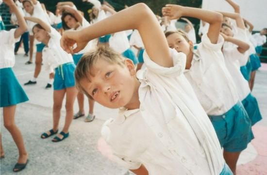东欧青少年的夏令营生活图片