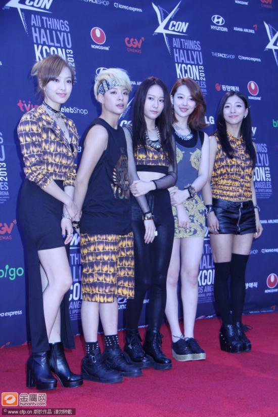 洛杉矶,当地时间8月25日,明星出席《KCON 2013》演唱会.EXO