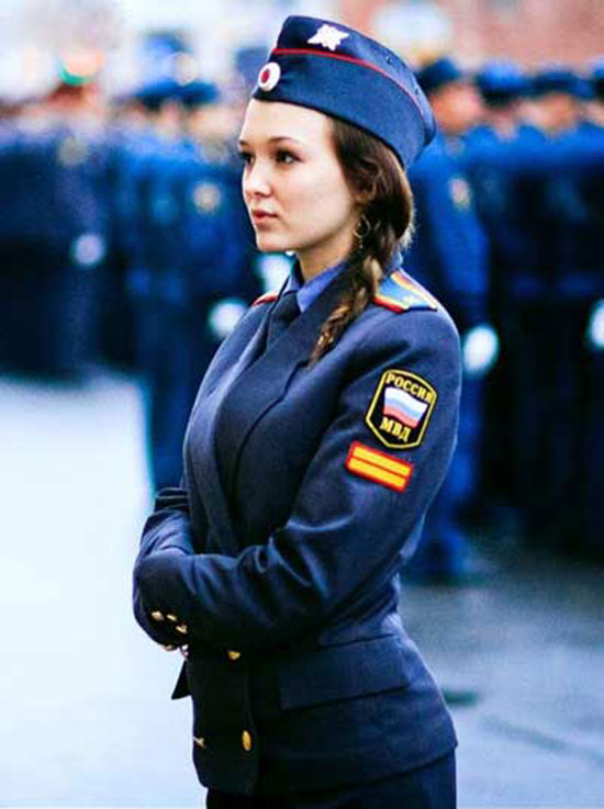 国穿制服的漂亮女警察