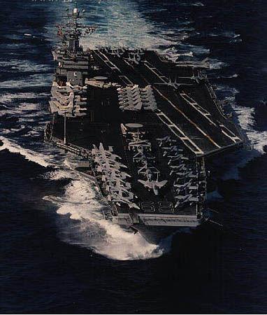 """美军驻巴林第五舰队""""艾森豪威尔""""号核动力航母图片"""