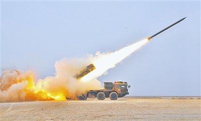 远程多火箭炮系统图_俄陆军参演的龙卷风远程多管火箭炮车弹满天