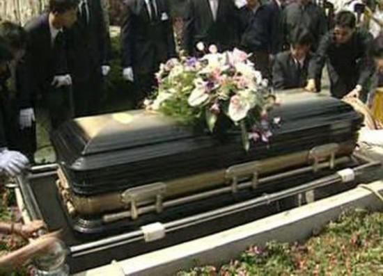 揭秘邓丽君下葬全过程 人世间最后一面绝密遗