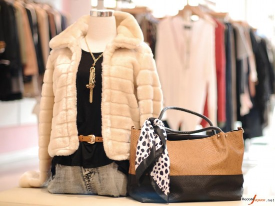 日本女性每年花多少钱买衣服?