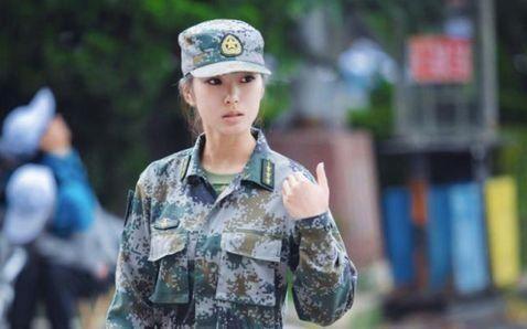 中国最美女教官网络走红