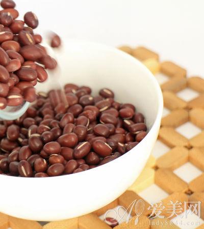 秋天吃红豆补血又排毒 推荐4款红豆养颜食谱