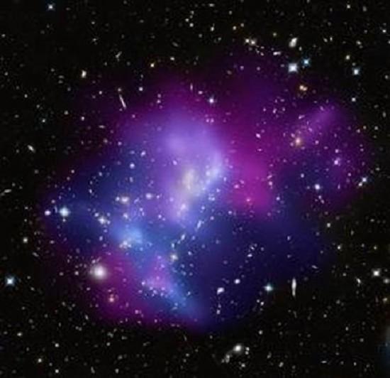 盘点宇宙十大暴力事件:超级黑洞吞入电子流【