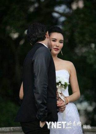 莫小棋/莫小棋被曝澳门拍婚纱照疑与外籍新欢闪婚...