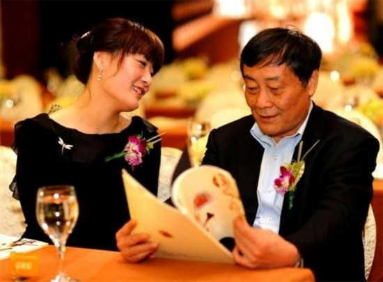 宗馥莉与宗庆后(资料图)