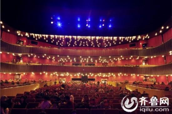 青岛大剧院:可承接世界一流艺术表演团体演出