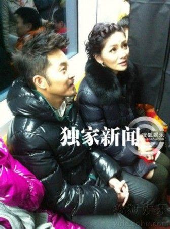 菲章子怡 大咖明星挤地铁照