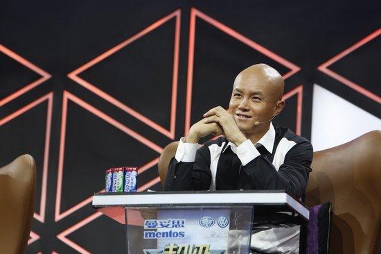 """《演说家》李咏战队""""内斗"""" 乐嘉发飙爆粗口"""