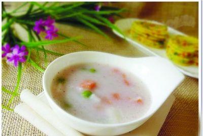 秋季养生:山药薏米芡实粥健脾去湿防秋燥
