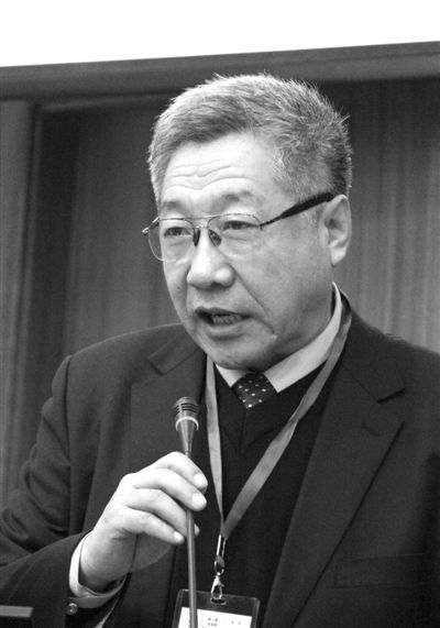 郑秉文:养老改革是舆论推着政府走