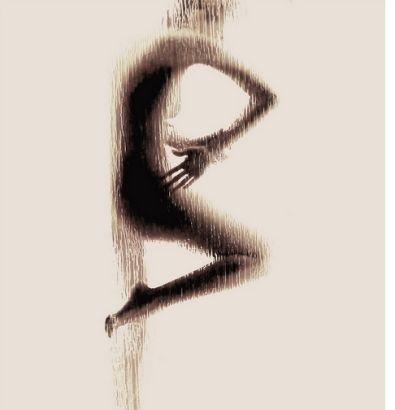 震撼艺术 大学女生裸体呈现英文字母剪影