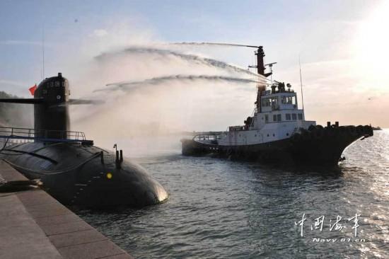 新闻联播头条报道解放军首支核潜艇部队(图)