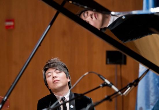 中国钢琴家郎朗获任联合国和平使者