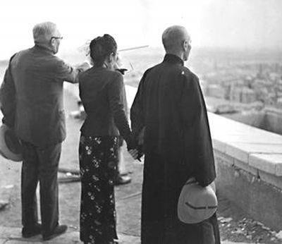 蒋介石宋美龄70年前牵手照