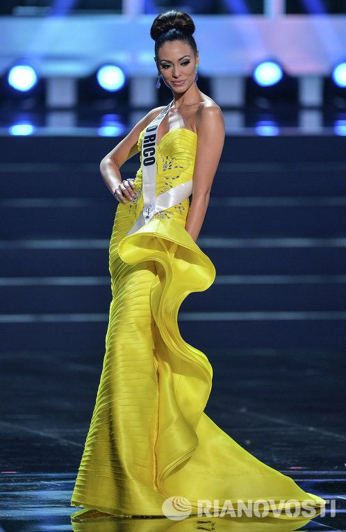 2013环球小姐半决赛 佳丽着泳装礼服身段妖娆