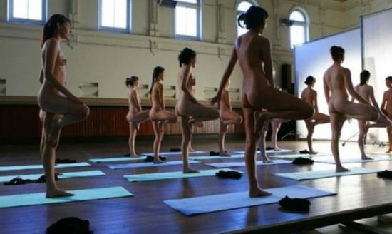 美国众女子裸体无束缚训练瑜伽【7】