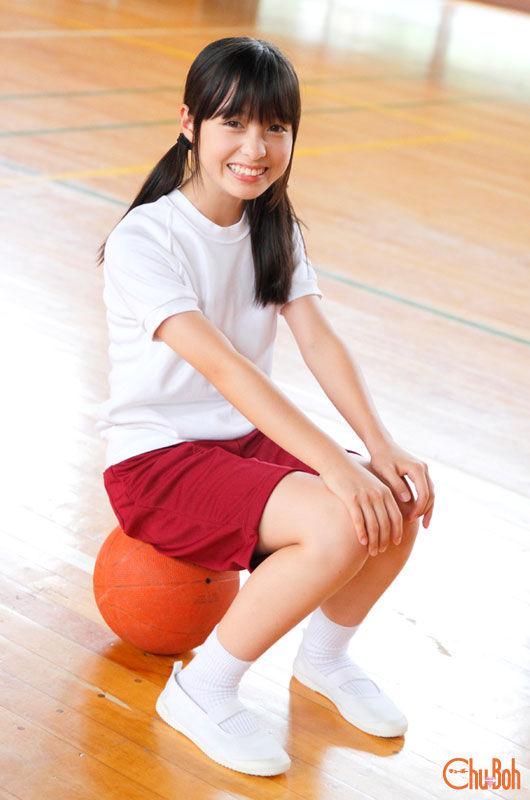 日14岁萝莉网络走红 清纯超萌网友点赞-日本14岁萝莉网络走红 清纯超图片