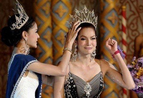 泰国人妖皇后令人惊艳-泰国最美变性人可男可女 与男友私房美照曝光