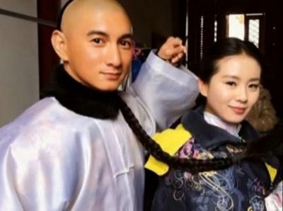 吴奇隆刘诗诗恋情公开 揭戏假情真的明星图片