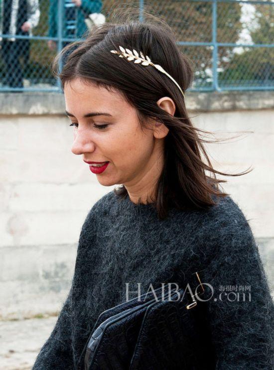 鱼骨辫丸子头齐上手 秋冬美观又实用发型街拍