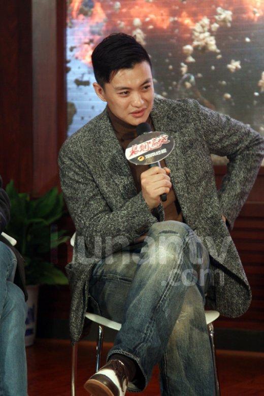 湖南经视730_朱丹男友周一围首度开腔谈恋情:我们俩挺好的--传媒--人民网