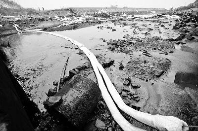 国务院:成立调查组严肃追究输油管爆燃事故责任