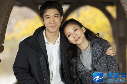 王力宏的微博称,女友名叫李靓蕾,是一名27岁的学生,并幸福的说图片