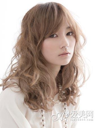 长发梨花头发型 彰显秋冬动人气质