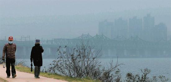 韩国首尔发布史上首个PM2.5细微颗粒物预警
