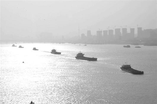 武汉响应继续雾霾三级执行空气质量仍处重度文字视频去掉中图片