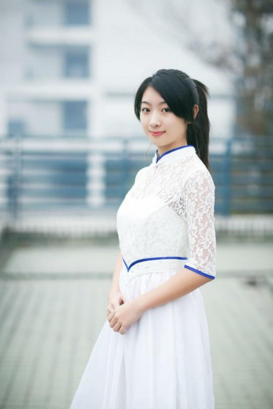 浙江大学礼仪队美女 带你重回白衣飘飘的年代
