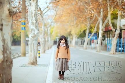 长沙5岁小萝莉萌照爆红网络疯传