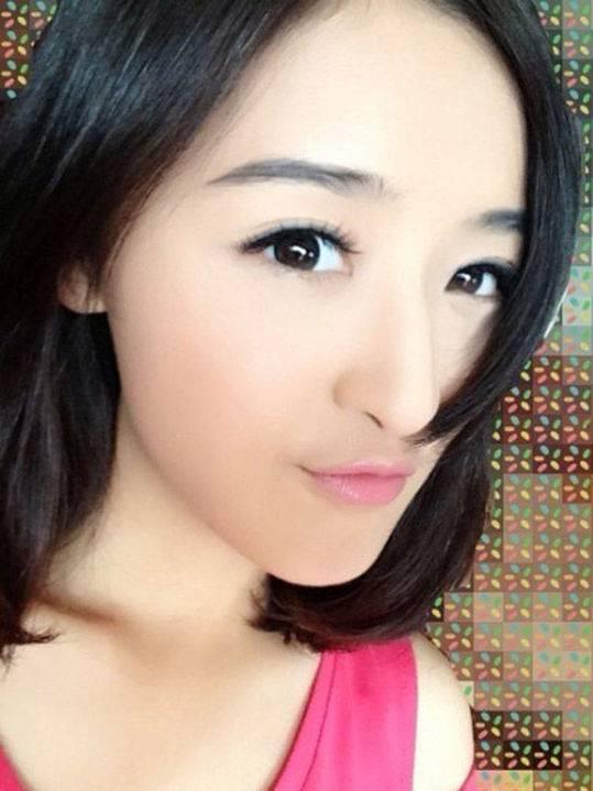 组图:央视美女主播清纯胜奶茶妹妹 央视名嘴座