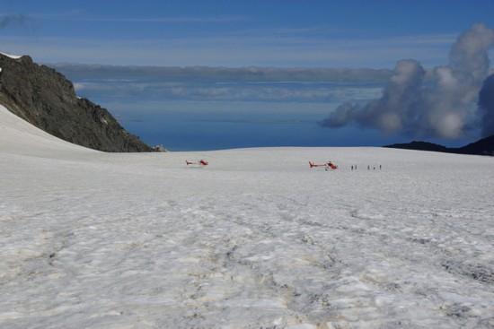 新西兰号称有世界上最壮观的景色,其中福克斯冰川则是必看之景,图片