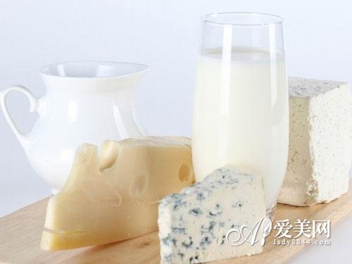 养生:喝热奶治痛经 吃对食物摆脱妇科病