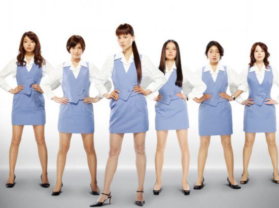 左起:森宽和,本田翼,江角真纪子,ベッキー,安藤樱,堀内敬子.图片