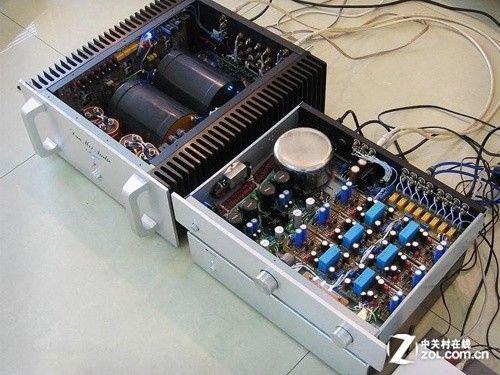工作特点和电路结构:晶体管功放是在低电压大电流下工作的